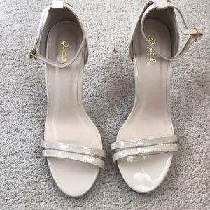Boutique Nude heels